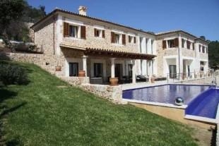 Property for Sale in Pollença, Pollença, Islas Baleares, Spain