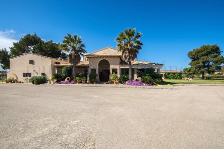 Property for Sale in Lloseta, Lloseta, Islas Baleares, Spain